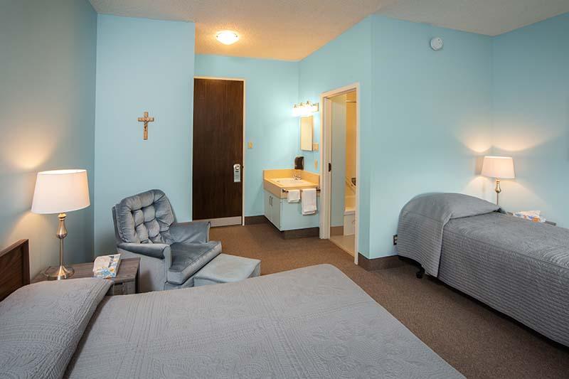 3rd_floor_bedroom-img